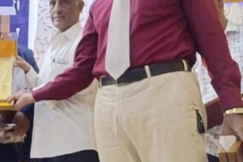مدير مجمع هائل بمنطقة الكود .. الدكتور وضاح والاستاذ محمود قطعا شوطا كبيرا في النهوض بالعملية التربوية والتعليمية