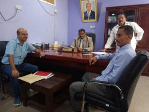 نائب وزير التعليم الفني يناقش المشاريع الاستثمارية للمؤسسات التعليمية في لحج