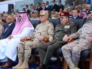 وزير الدفاع في اليمن الشمالية يشارك في فعاليات افتتاح قاعدة برنيس العسكرية المصرية