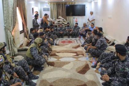 """قائد قوات حماية المنشآت يزور الجريح """"سراج الحمادي"""""""