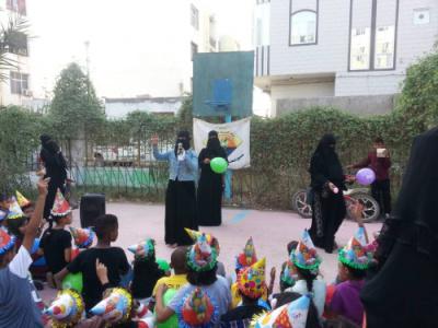 مركز التوعية البيئية بصندوق النظافة والتحسين يواصل برنامجه التوعوي خلال أيام العيد