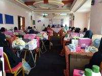في إطار برنامج المساحة الآمنة للنساء والفتيات .. توزيع المنح المقدمة من صندوق الأمم المتحدة للسكان في مجال الكوافير بالمهرة