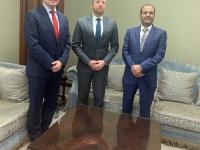 اللواء شلال شايع يستقبل نائب السفير الأمريكي والعقيد مارك وايتمان كبير ممثلي وزارة الدفاع الأمريكية