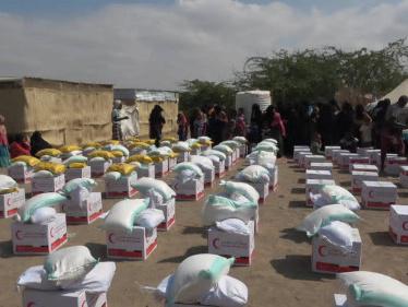 42 طن مساعدات إغاثية جديدة دعم إماراتي لأهالي الساحل الغربي