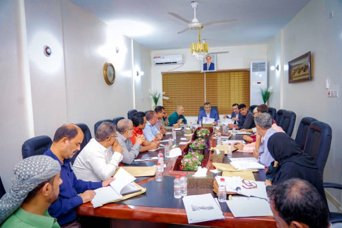لملس يترأس اجتماعاً موسعاً لمجلس إدارة «المؤسسة المحلية للمياه والصرف الصحي» بالعاصمة عدن