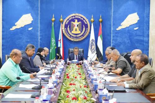 رئاسة المجلس الانتقالي الجنوبي تقف على التطورات العسكرية بمحافظة أبين