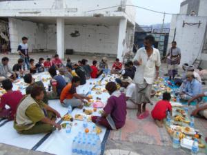 """إنتقالي مكيراس بمحافظة أبين يدشن مبادرة """"إفطار الصائم """" الرمضانية"""