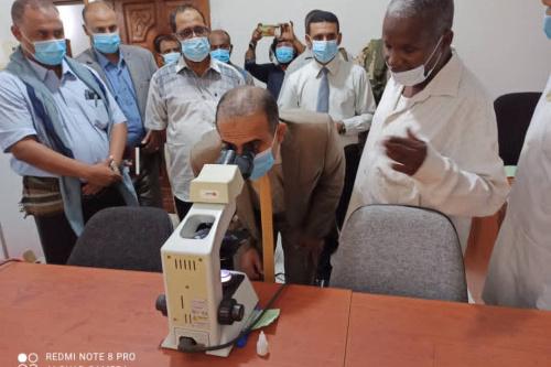 وزير الصحة العامة والسكان يطلع على أنشطة البرنامج الوطني لمكافحة الملاريا محور حضرموت