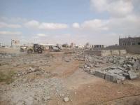 تنفيذا لتوجيهات محافظ عدن.. كتيبة الطوارئ والدعم الأمني تنفذ حملة إزالة العشوائيات والتعديات في بلوك ( 4 A ) بير فضل