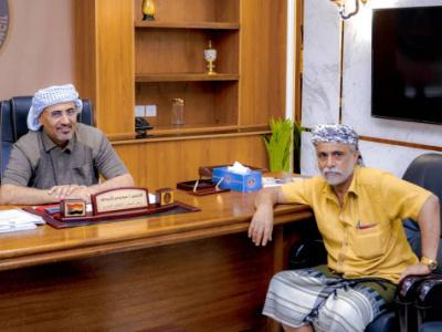 President Al-Zubaidi meets with the social figure Sheikh Wadee Al-Barhmi