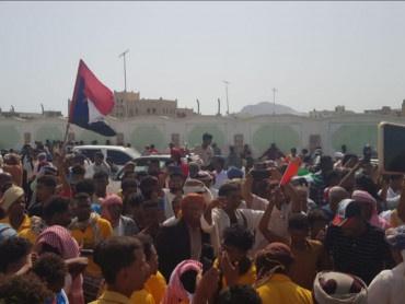 سياسيون : بعد عام من دحر الإخوان سقطرى عادة إلى حضن الجنوب وأصبحت تنعم بالأمن والأمان