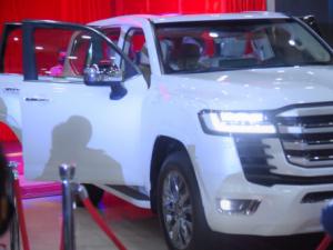 عدن تحتضن حفل تدشين سيارة لاند كروزر الجديدة 2022 في اليمن