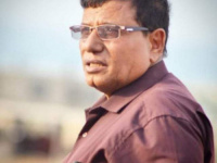 الوزير السقطري يعزّي في وفاة عميد الأطباء بسقطرى