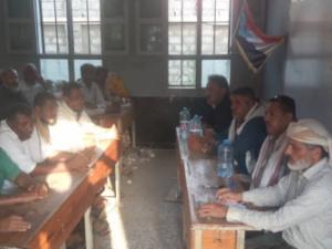 رئيس انتقالي خنفر يناقش مع اللجان المحلية في باتيس سبل تفعيل العمل بالمراكز