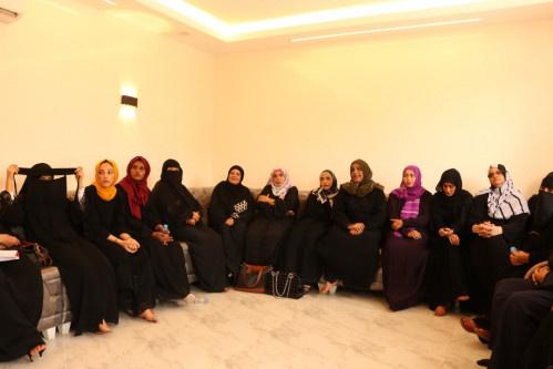 دائرة المرأة والطفل في المجلس الانتقالي تقيم لقاءً نسويًا بالعاصمة عدن
