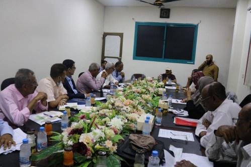 اللجنة الاقتصادية العُليا للمجلس الانتقالي تستعرض المشاريع المُزمع تنفيذها خلال المرحلة القادمة