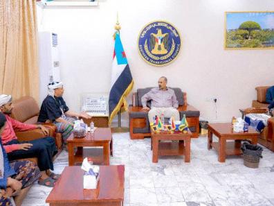 President Al-Zubaidi discusses latest developments in Hadramout valley with delegation from Al-Ali Al-Haj tribe