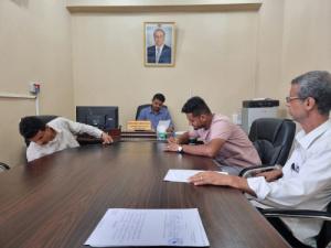 مدير عام الشيخ عثمان يبرم اتفاقية تنفيذ مشروع الرصف الحجري لجزء من شارع اليابلي